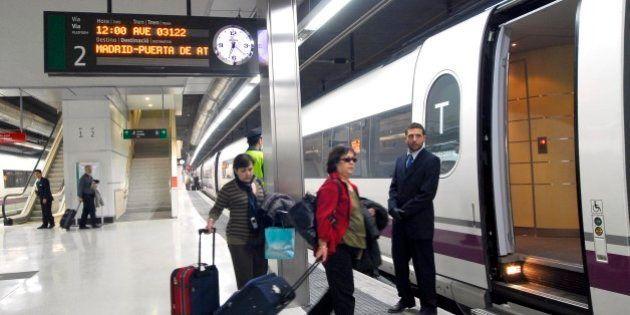 CCOO convoca una huelga en Renfe en plena Semana