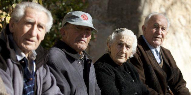 El Gobierno prevé subir las pensiones el 0,25% hasta 2017, el mínimo de su