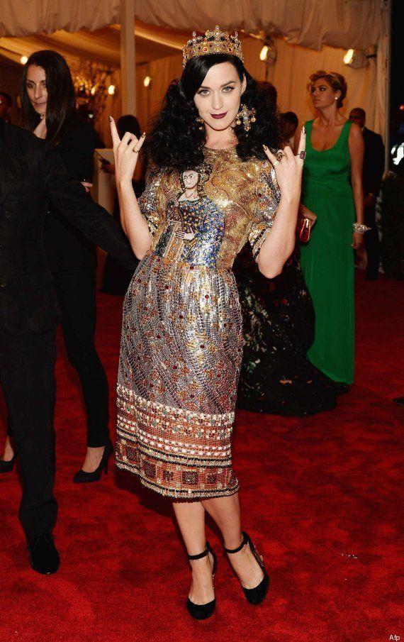 Katy Perry en la gala del MET: el vestido de Dolce & Gabbana que recuerda al Cristo de Borja