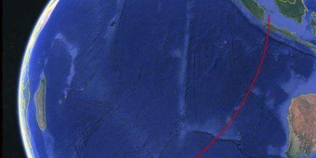 Los investigadores del avión desaparecido creen que se desvió hacia el sur del