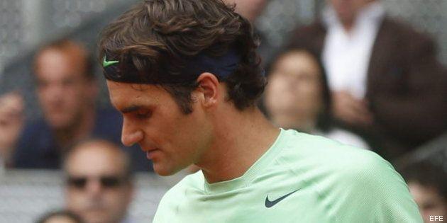 Federer resuelve sin despeinarse y Murray sufre más de la