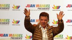 El presidente de Colombia, tras orinarse en un acto: