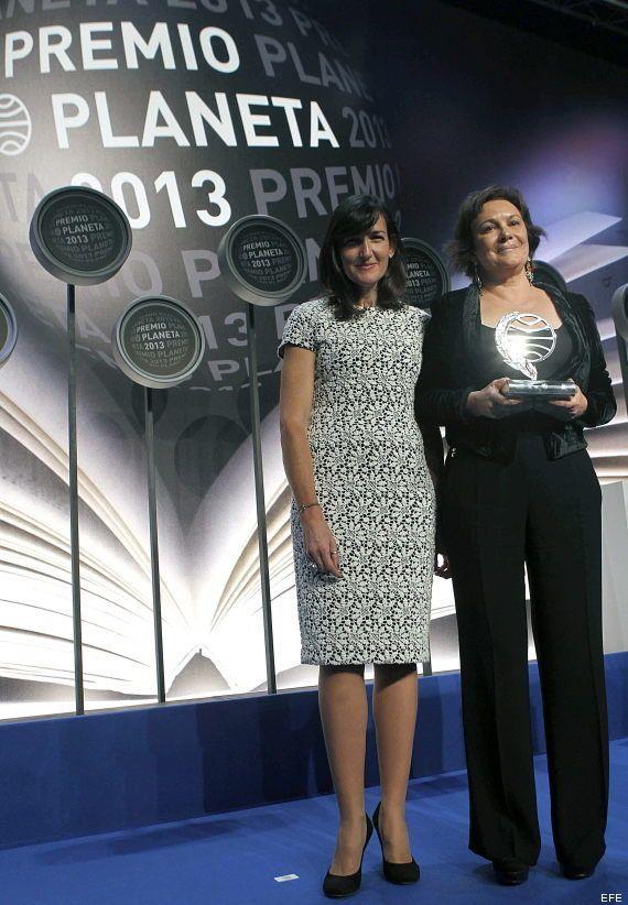 Ángeles González Sinde, ex ministra de Cultura, finalista Premio Planeta; la escritora Clara Sánchez,