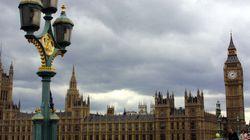 El número de españoles que marchan a Reino Unido se triplica en diez