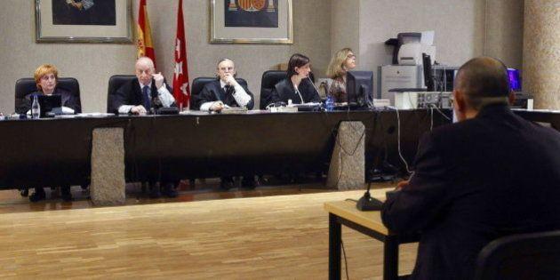 El tribunal aparta a la magistrada recusada por Silva por haber trabajado con