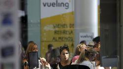 Fomento expedienta a Vueling por el caos creado en la operación