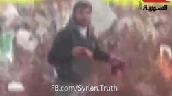 Atrocidad en Siria: le saca el corazón y luego lo
