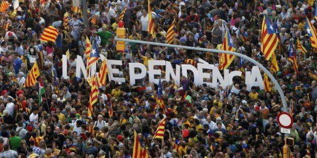 El 'Financial Times' pide a Rajoy más autonomía para Cataluña y una