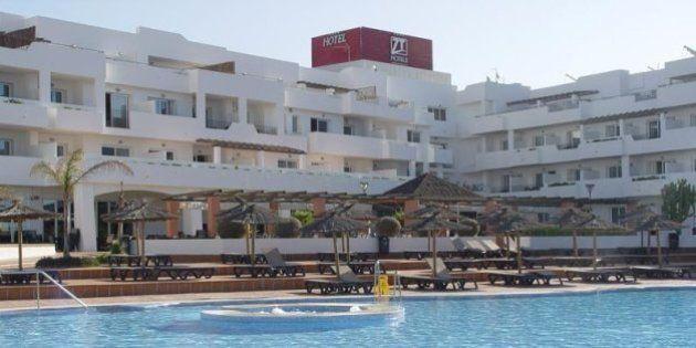 Denuncian a un hotel de Almería por no alojar a un grupo con síndrome de Down por si