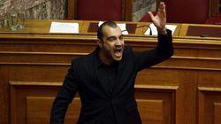 Diputados neonazis griegos expulsados al grito de