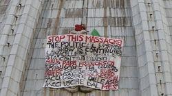 Protesta contra los políticos encaramado a la cúpula del Vaticano