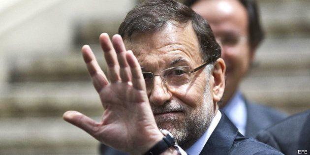 Rajoy evita las preguntas de la prensa sobre Aznar y se limita a