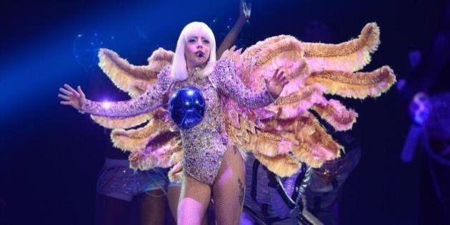 Vestuario de la gira de Lady Gaga 2014: los vestidos de Versace de sus conciertos