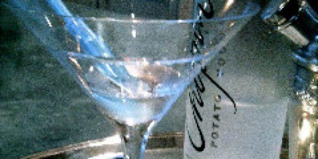 ¡Camarero, un Martini seco con un