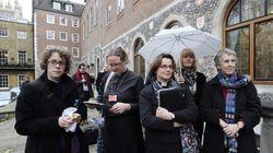 Y la Iglesia de Inglaterra le dice a las candidatas a obispas