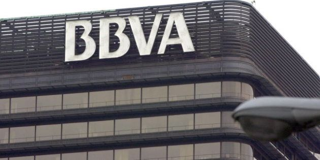 Un error del BBVA provoca el cobro duplicado a clientes de varios bancos, según