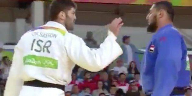 El COI expulsa de los Juegos a un judoca egipcio que se negó a dar la mano a su rival