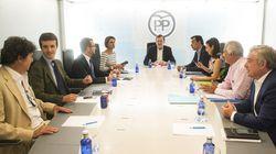 Rajoy busca el apoyo del PP para negociar con