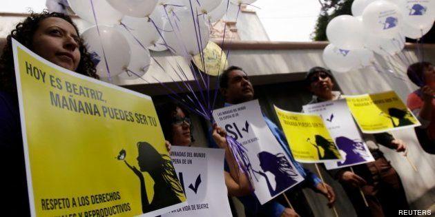 El Salvador rechaza practicar un aborto a una mujer en riesgo de muerte por su