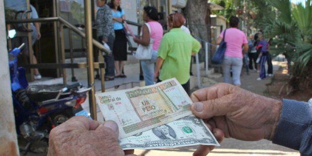 EEUU autoriza el uso de dólares en Cuba por primera vez desde el