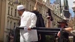 Un activista antimusulmán simula una invasión de Estado Islámico en