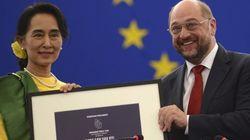 Suu Kyi recibe el Premio Sájarov... 23 años