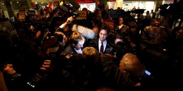 Llaman asesino y mentiroso al líder de los laboristas británicos en un acto por el