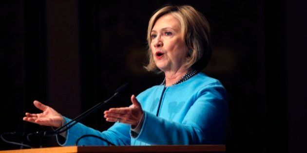 Hillary Clinton levanta sospechas por usar su correo privado durante su