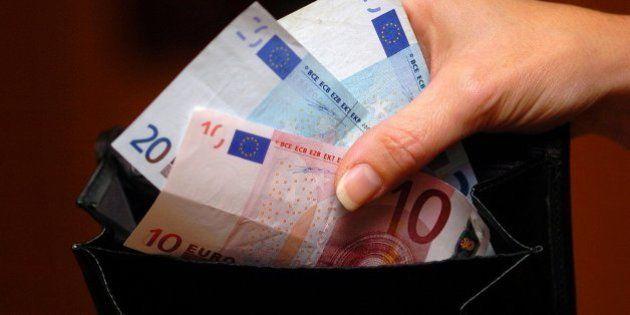 Se encuentra 950 euros en una calle de Valladolid... y los entrega a la