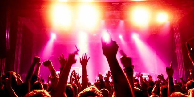 Avalancha en una discoteca de Córdoba: Al menos cinco heridos y dos