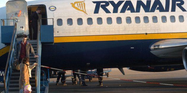 La justicia declara nula la tasa de 40 euros a los pasajeros de Ryanair que no impriman su tarjeta de