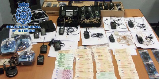 Cae una red que cobraba 5.000 euros por soplar exámenes de la Xunta por un