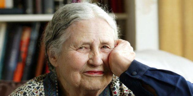 Los servicios secretos británicos espiaron a Doris Lessing durante 20