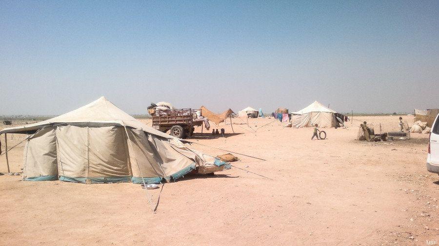 El éxodo tras el éxodo: 130.000 refugiados sirios huyen de sus campamentos por los bombardeos