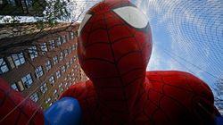 Spiderman, Hello Kitty y la rana Gustavo en el desfile de Acción de Gracias