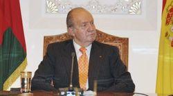 El rey viaja a Arabia Saudí junto a tres ministros y 30