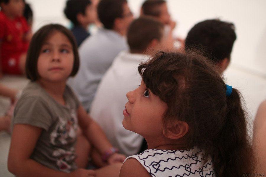 Con ojos de niño: visita al Reina Sofía con menores de un barrio obrero de