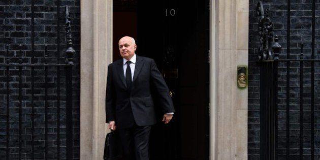 Dimite el ministro británico de Trabajo por desacuerdo con los recortes de