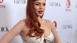 Lindsay Lohan presenta 'Liz & Dick' enseñando ombligo