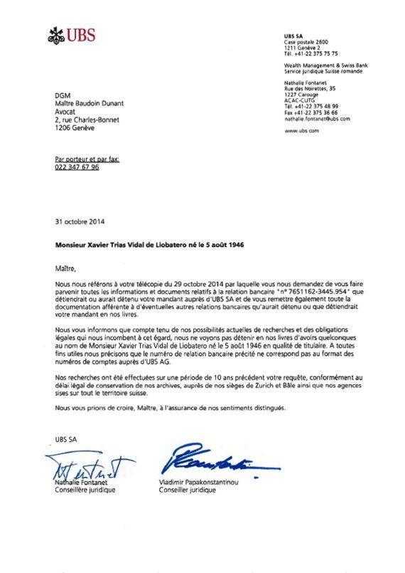 Xavier Trias muestra un documento del banco suizo UBS que certifica que no tiene