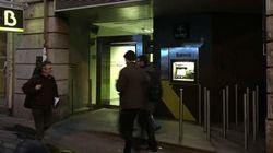 Los barrotes anti mendigos de Bankia que indignan a miles de