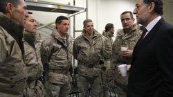 Defensa gasta casi cinco millones de euros en gabardinas para el