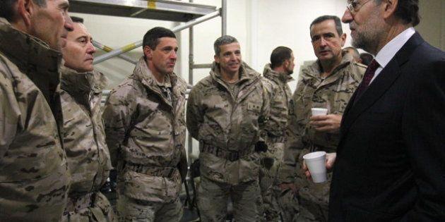 Defensa gasta casi cinco millones de euros en la adquisición de gabardinas para el Ejército de