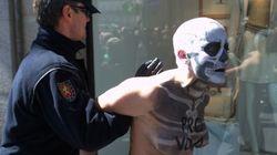 Así han irrumpido las Femen en la 'marcha por la vida'