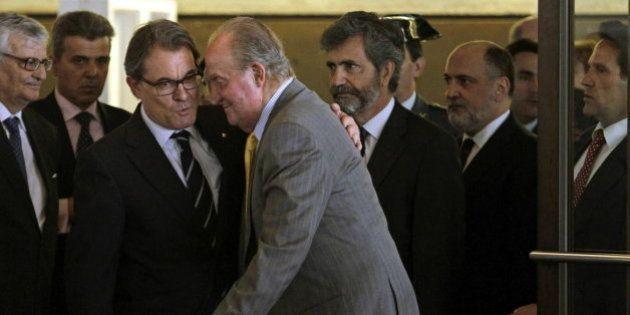El rey pide en Barcelona a los jueces que se