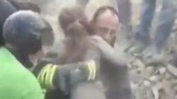 Julia, la niña rescatada después de 17 horas bajo los