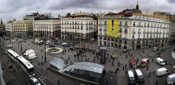 Greenpeace protesta en la Puerta del Sol contra la Ley de Seguridad del