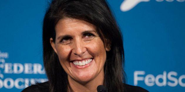 Trump elige a la gobernadora Nikki Haley como embajadora ante la