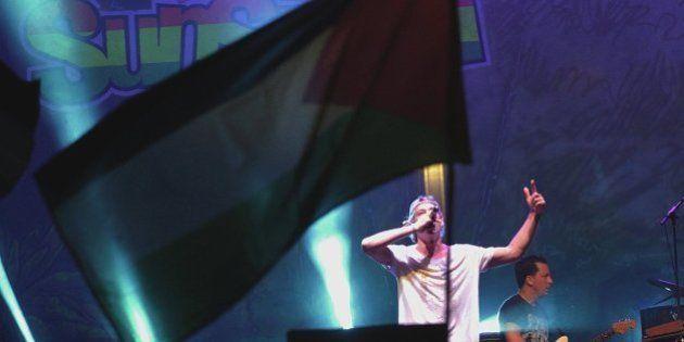 Matisyahu canta en el Rototom entre abucheos de parte del público y banderas