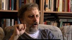 Žižek: Si quieres liberarte de un ideología, te tienes que golpear